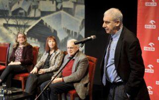 Edward Hirsch - Przewodniczący Jury ogłasza nazwisko Laureata