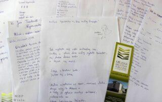Kartki papieru z tekstem