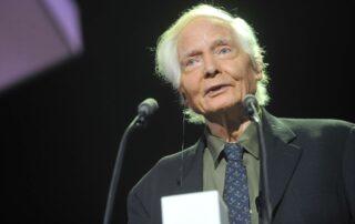 Wiliam Stanley Merwin, Laureat I edycji Międzynarodowej Nagrody Literackiej im. Zbigniewa Herberta